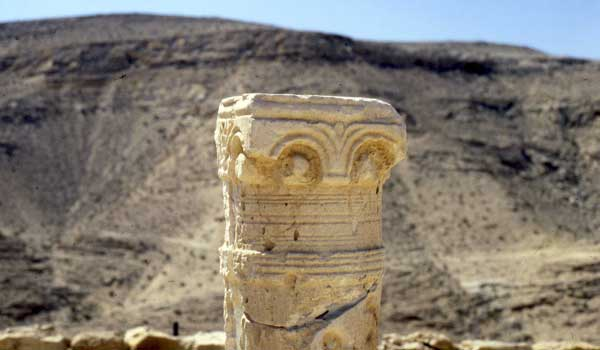 ruins_in_negev_desert_600